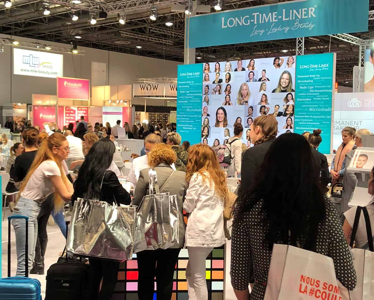 Permanent_Make_Up_Long_Time_Liner_Beauty_Duesseldorf_2019_Messestand_Besucher